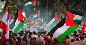 Muslims Protest at American Embassy in Indonesia over Israeli Airstrikes