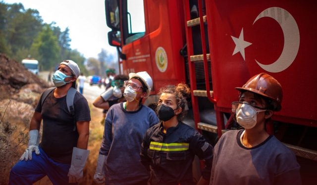 Turkey Wildfire Prompts Evacuation at Power Plant in Country's southwest