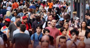 White Population is Shrinking in United States and Country is Expanding